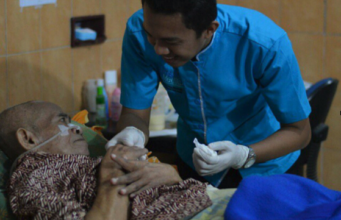 Perawat Lansia, Alzheimer, Dimensia, Homecare