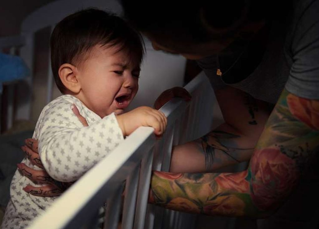 Mengatasi bayi rewel di malam hari