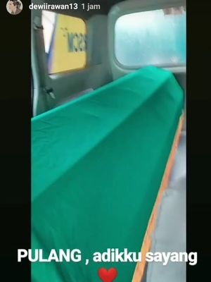 Ria Irawan meninggal disebabkan oleh kanker