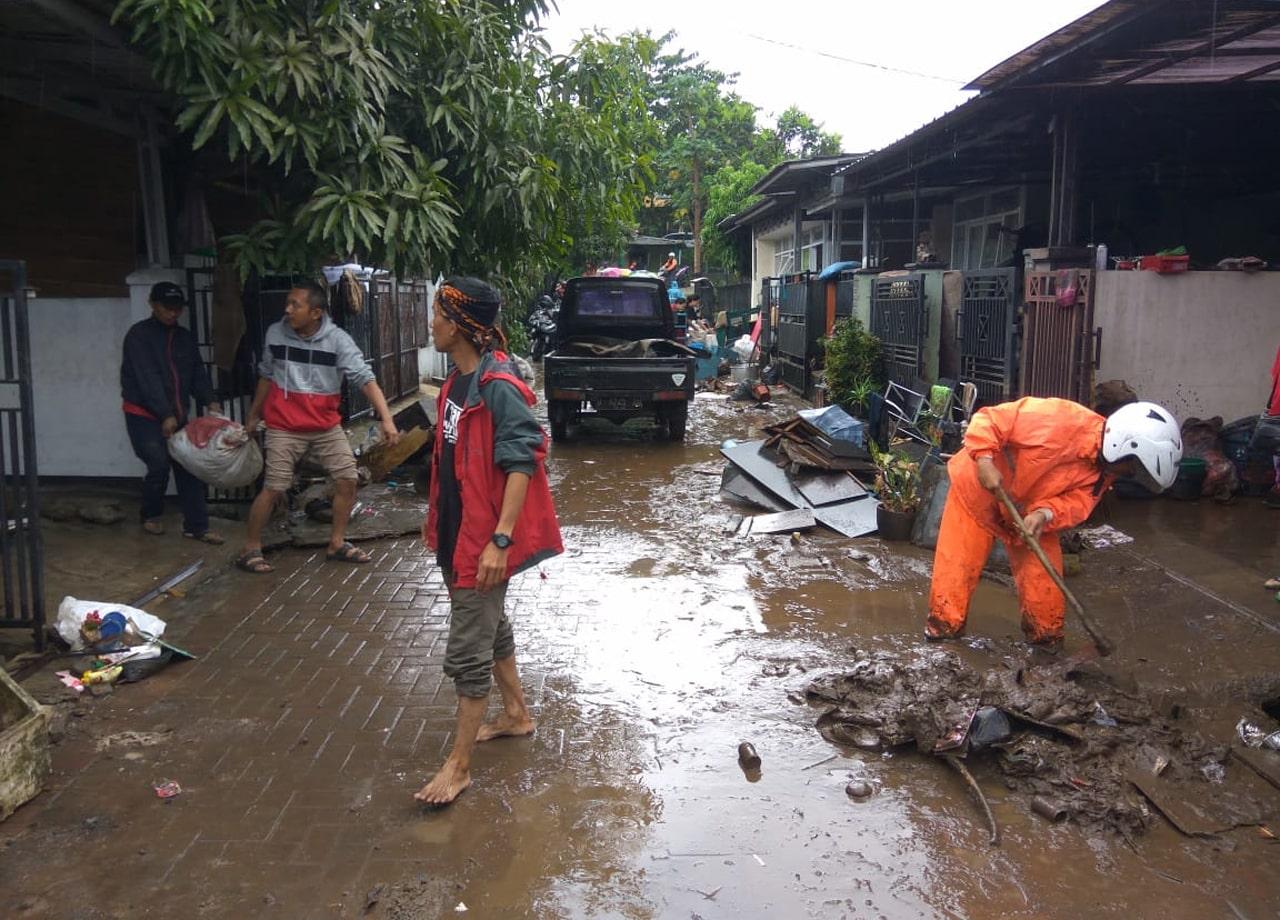 Cara tetap sehat dan tidak mudah terkena penyakit ketika banjir