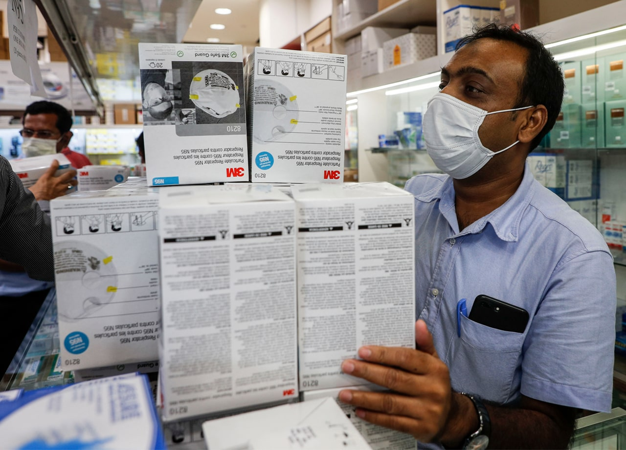 Virus Corona Infeksi Lebih Dari 20 Ribu Orang Sebabkan Harga Masker Capai 2 Juta