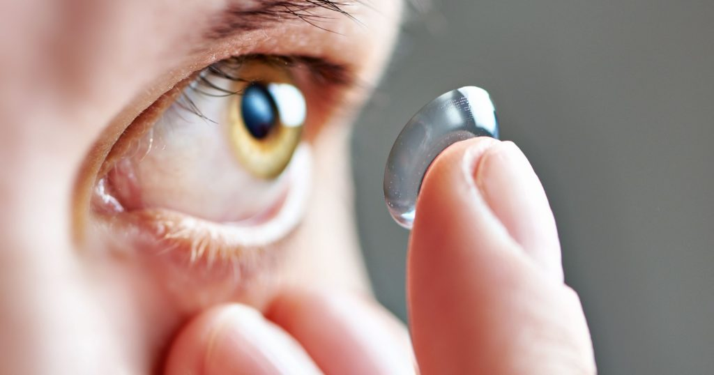 Pengguna lensa kontak