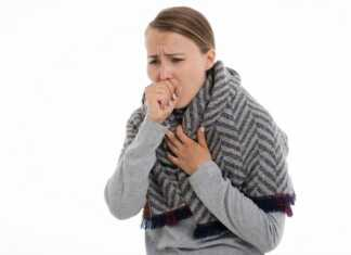 Batuk adalah respon alami dari tubuh sebagai sistem pertahanan untuk mengeluarkan zat dan partikel dari dalam saluran pernapasan, serta mencegah benda asing masuk ke saluran napas bawah.