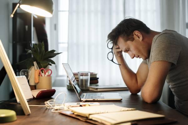 Tips Menjaga kesehatan mental akibat gagal mudik