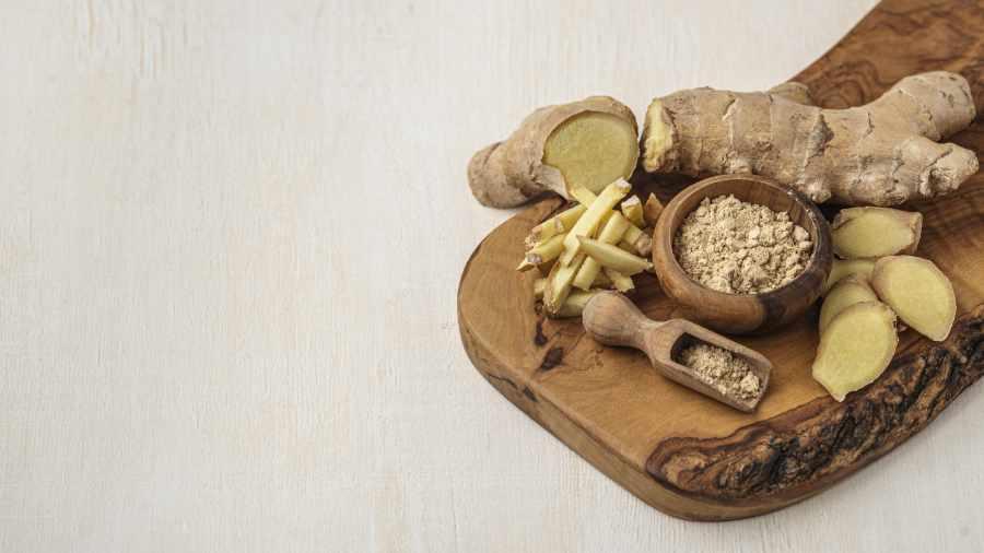 ra ini memiliki aroma yang khas dan bisa digunakan sebagai bahan pengobatan. Jahe kaya akan kandungan gingerol yang merupakan zat antiradang dan antioksidan yang tinggi.